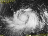 Typhoon Wallpaper Image : Typhoon 200416 (CHABA) : Typhoon CHABA intensified into a destructive typhoon (0000 UTC)