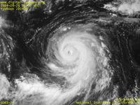 Typhoon Wallpaper Image : Typhoon 200416 (CHABA) : The boundary of Typhoon CHABA's eye became less steep  (0600 UTC)