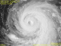 Typhoon Wallpaper Image : Typhoon 200416 (CHABA) : Magnified image around the center of Typhoon CHABA (0600 UTC)