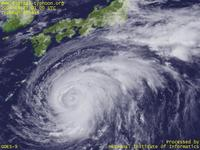 Typhoon Wallpaper Image : Typhoon 200416 (CHABA) : Typhoon CHABA threatening to make landfall on Japan (0100 UTC)