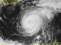 Typhoon Wallpaper Image : Typhoon 200416 (CHABA) : Typhoon CHABA weakening around the eye (0100 UTC)