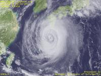 Typhoon Wallpaper Image : Typhoon 200416 (CHABA) : Typhoon CHABA with its double(?) eye (0600 UTC)