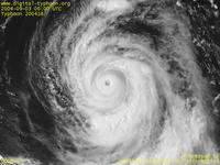 Typhoon Wallpaper Image : Typhoon 200418 (SONGDA) : Typhoon SONGDA with a solid spiral structure (0600 UTC)