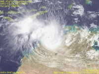 Typhoon Wallpaper Image : 2005 Cyclone INGRID : Cyclone INGRID extremely intensified again just before making landfall (March 15, 2005, 0600 UTC)