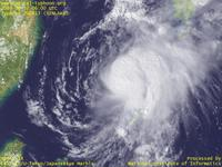 Typhoon Wallpaper Image : Typhoon 200813 (SINLAKU) : Typhoon 200813 recovered a little in East China Sea (06 UTC)