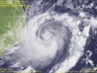 Typhoon Wallpaper Image : Typhoon 200902 (CHAN-HOM) : Typhoon CHAN-HOM with sparse clouds around the center (03 UTC)