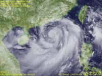 Typhoon Wallpaper Image : Typhoon 201208 (VICENTE) : Typhoon VICENTE showing a spiral shape in South China Sea (03 UTC)