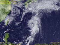 Typhoon Wallpaper Image : Typhoon 201303 (YAGI) : Typhoon YAGI moving northward in south of Japan (02 UTC)