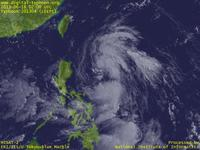 Typhoon Wallpaper Image : Typhoon 201304 (LEEPI) : Typhoon LEEPI whose clouds near the center are scattered (02 UTC)