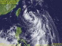 Typhoon Wallpaper Image : Typhoon 201304 (LEEPI) : Typhoon LEEPI whose clouds are still not organized (02 UTC)